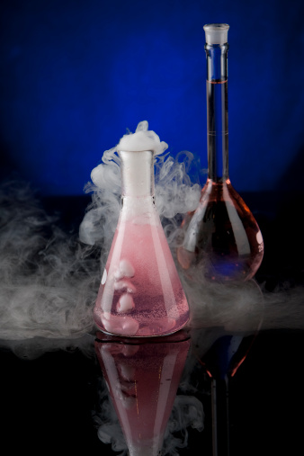 use_dry_ice_for_halloween_decoration_laboratory_beaker_smoke_1349394867